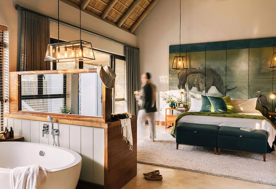 Simbavati Camp George - bedroom & bathroom